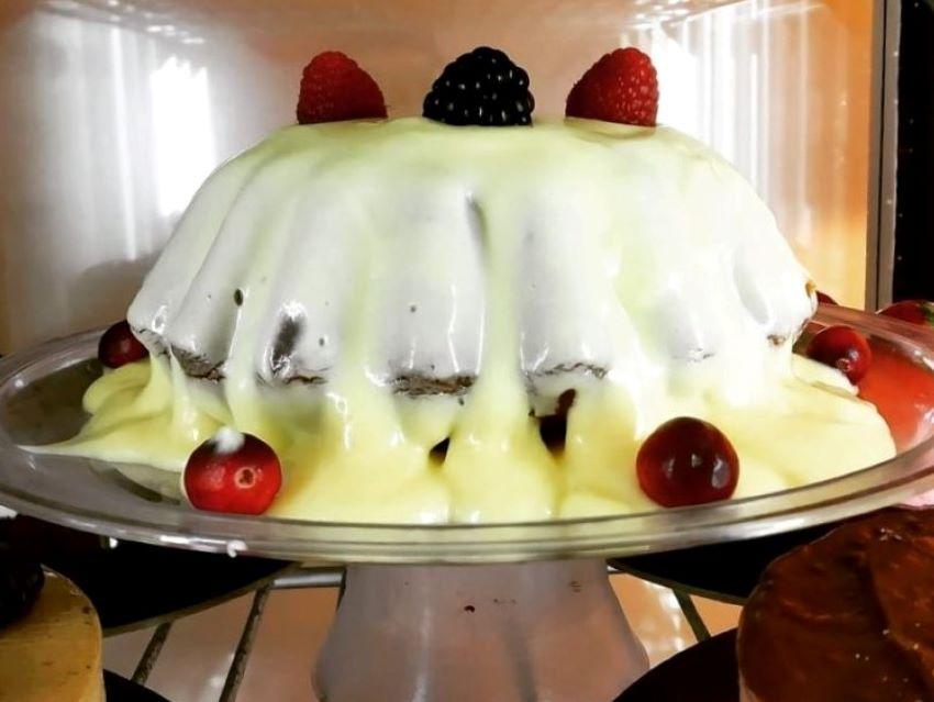 αγγλική πουτίγκα-desserts-ζαχαροπλαστείο στο νέο ψυχικό